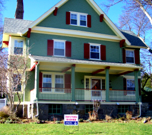 Stearns Painting provides expert work for exterior jobs.